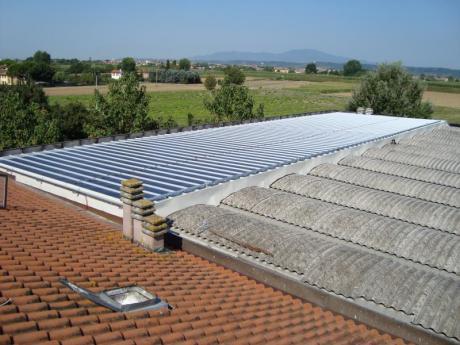 Strisce Fotovoltaiche in silicio amorfo su lamiera grecata